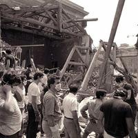 Squadre di soccorso all'opera (Associazione tra i familiari delle vittime della strage della stazione di Bologna)