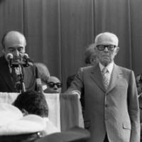 Il sindaco di Bologna Zangheri e il Presidente della Repubblica Pertini a Bologna, nella celebrazione dei funerali di stato (Associazione tra i familiari delle vittime della strage della stazione di Bologna)