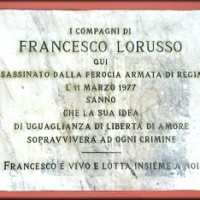 La targa commemorativa di Francesco Lorusso in via Mascarella