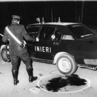 L'Alfetta dei carabinieri Erriu e Stasi, colpiti a morte dalla banda dopo una rapina a Castelmaggiore, 20 aprile 1988