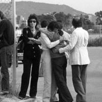 Parenti delle vittime attendono il ritorno delle salme all'aereoporto Marconi di Bologna (Archivio Studio FN Paolo Ferrari)